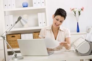 womanworking10601816_375